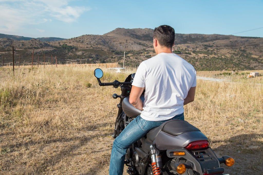 illinois motorcycle laws no helmet